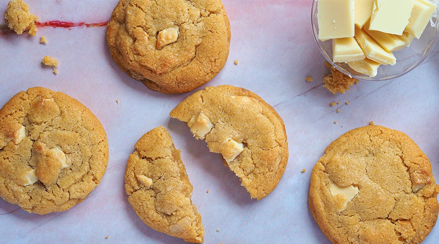Soft & Chewy American White Chocolate Chip Cookies