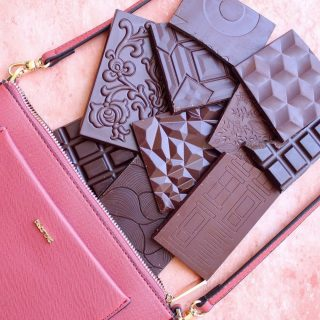 🍫 Here is Why Chocolate Is the Most Affordable Luxury in The World 🙌✨  Sharon from @thechocolatejournalist talks about how few people even know about the existence of a luxury segment in the chocolate industry.   For example, many consumers believe chocolate bars with a price tag of $4 to already be luxurious since we are so used to viewing chocolate as an extremely cheap food  Chocolate's reputation changed with the appearance of craft chocolate on the market around the year 2006!!   This chocolate (bean-to-bar) is considered luxurious because it's made with the finest and most flavorful cocoa beans from around the world.  Read more LINK IN BIO 👆👆👆 #luxury #luxurylifestyle #luxurychocolate